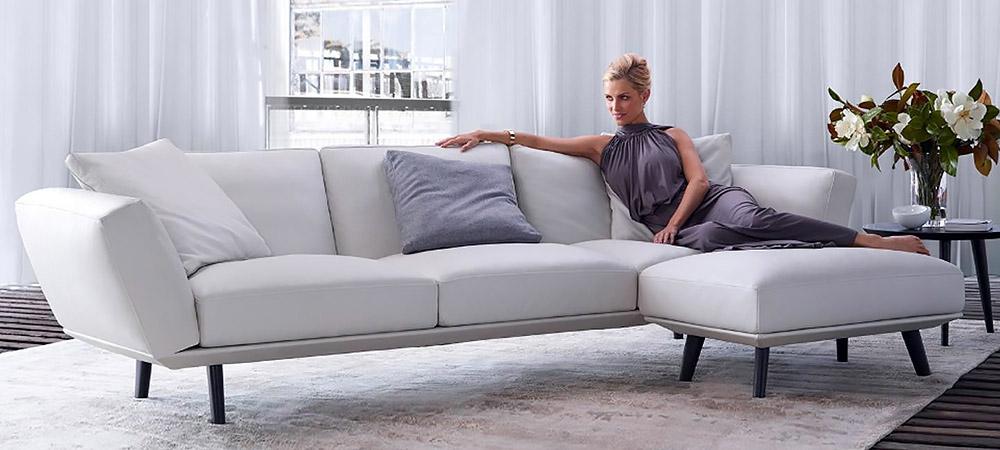 canap en cuir keith by. Black Bedroom Furniture Sets. Home Design Ideas